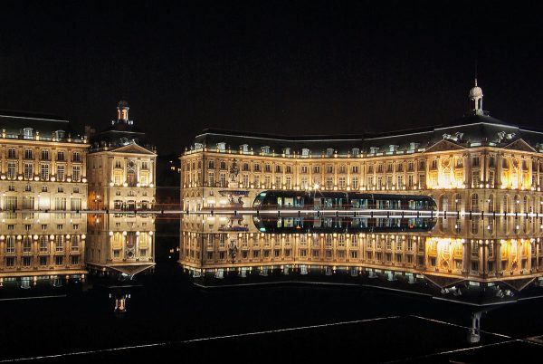7 meilleur sites bordeaux place_de_la_bourse 600x402